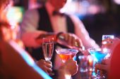 Martini and champagne — Stock Photo