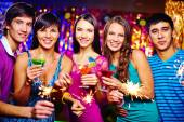 Friends with cocktails — Stock Photo