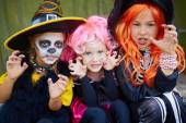 Girls in Halloween costumes — Stockfoto