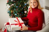 Girl with big gift box — Stock Photo