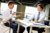 Businessmen  discussing  ideas — Stock Photo