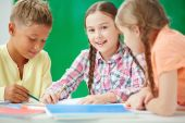 Girl at lesson of drawing — Stock Photo
