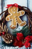 Ginger bread with Christmas wreath — Stock Photo
