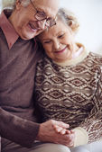 Devoted couple of pensioners — Stock Photo