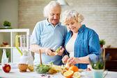 Modern senior couple — Zdjęcie stockowe