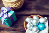 Silver Easter eggs and gift box — Stockfoto