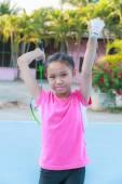 女孩打羽毛球 — 图库照片