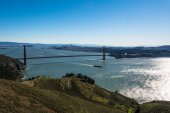 San Francisco and the Golden Gate Bridge from Marin Headlands — Stock Photo