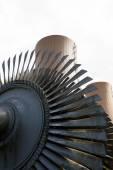 Turbina de vapor contra una planta de energía nuclear — Foto de Stock