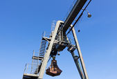 The gantry crane against a sky — Stock Photo