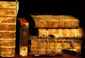 Old and ancient books on a shelf — Stock fotografie