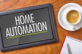 Tablet na stůl - domácí automatizace — Stock fotografie