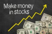 Text on blackboard with money - Make money in stocks — Foto de Stock