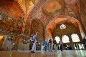 Interior of the Chehel Sotoun palace in Isfahan, Iran — Stock Photo
