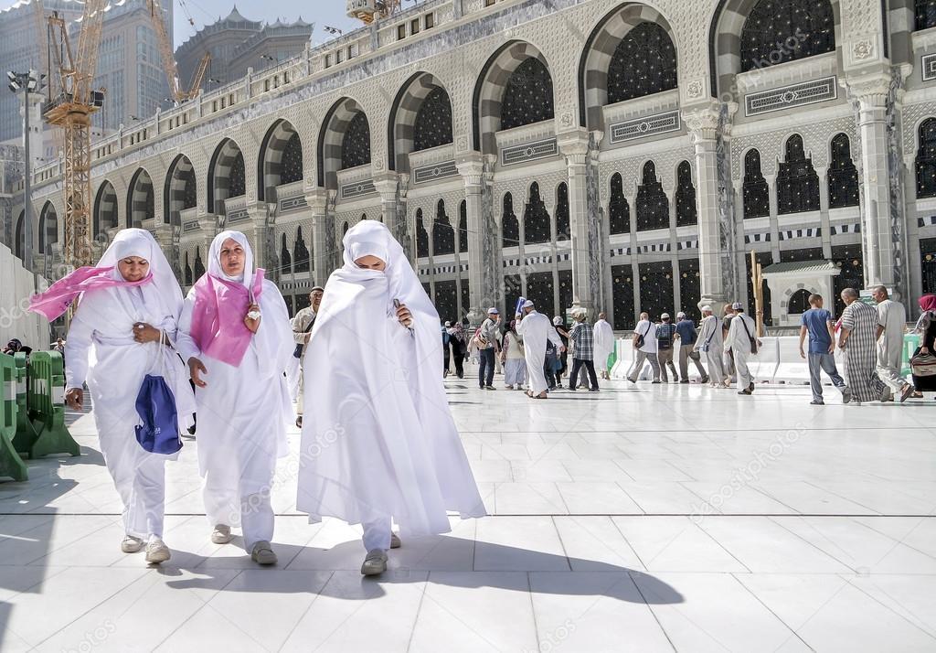 women in mecca