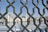 Iron railings behind the Nabawi Mosque, Medina, Saudi Arabia — Stock Photo