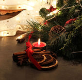 Beautiful Christmas wreath with candles — Стоковое фото