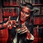 Постер, плакат: Pretty devil