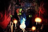 有吸引力的女巫 — 图库照片