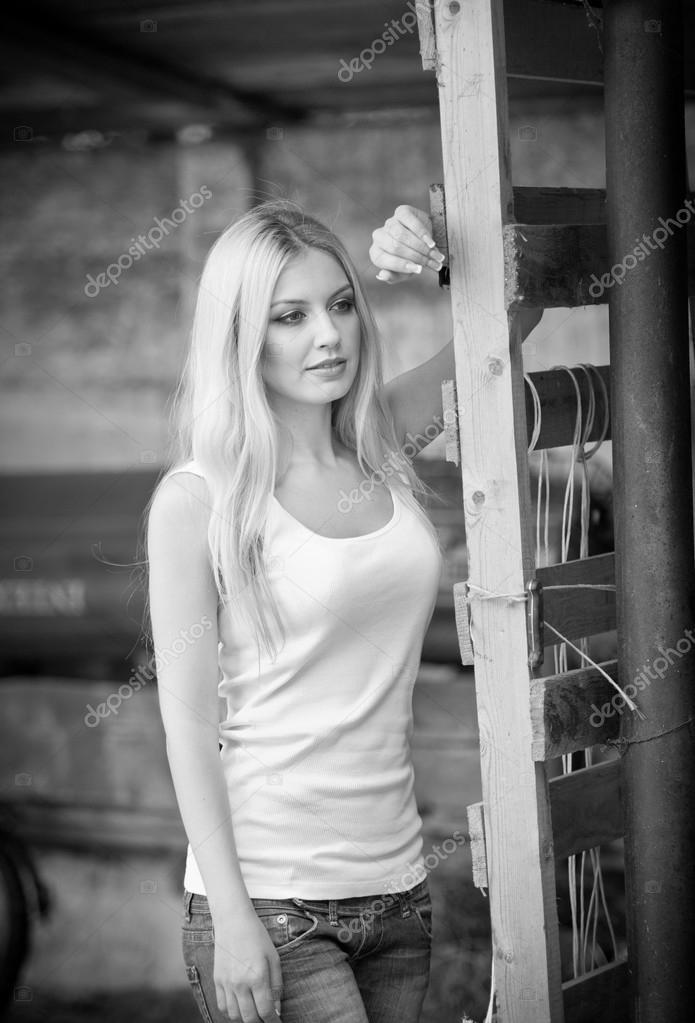 Фото блондинок с длинными волосами