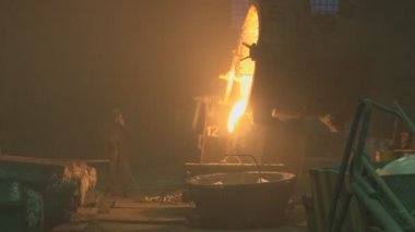 Metallurgy. The factory. Melting. Metal waste. — Stock video