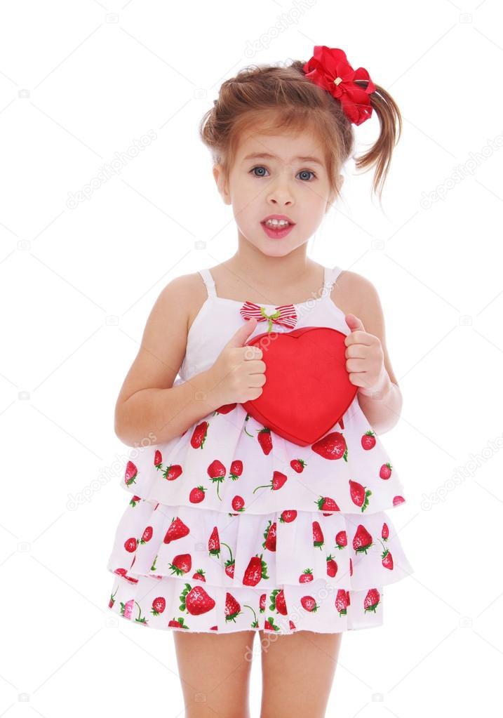 Платье которое прижимает грудь