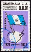 GUATEMALA - CIRCA 1971: A stamp printed in Guatemala issued for the 150th anniversary of Central American Independence shows flag and map, circa 1971. — Stockfoto