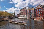 Amsterdam city with canal in Holland — Stockfoto