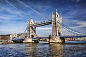 Berühmten tower bridge in london, england — Stockfoto