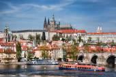Prague Castle with famous Charles Bridge in Czech Republic — Stock Photo