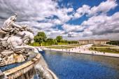 Schonbrunn Palace s fontánou v zahradě, Vídeň, Rakousko — Stock fotografie