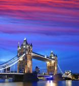 Ponticello della torretta in sera, Londra, Inghilterra — Foto Stock