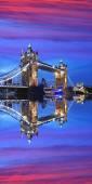 Tower bridge w wieczór, Londyn, Anglia — Zdjęcie stockowe