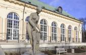 Royal Lazienki Park in Warsaw, the statue in front of the Old Orangery building — Stock Photo