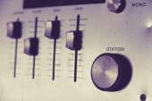 Vintage audio receiverem closeup — Stock fotografie