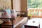 Typowo dekoracyjne balkon — Zdjęcie stockowe