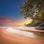 Beautiful beach with colorful sky, Thailand — Stock Photo