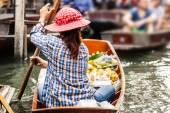 Floating market — Stock Photo