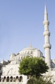 Minaret and dome of the Blue Mosque in Istanbul — Stock Photo