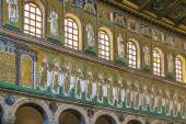 Basilica of Sant Apollinare Nuovo, Ravenna. Italy — Stock Photo