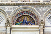 Detail of Pisa cathedral, Italy — Stock Photo