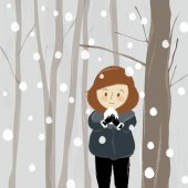 Cute woman enjoy snow fall with forest background — Stock Photo