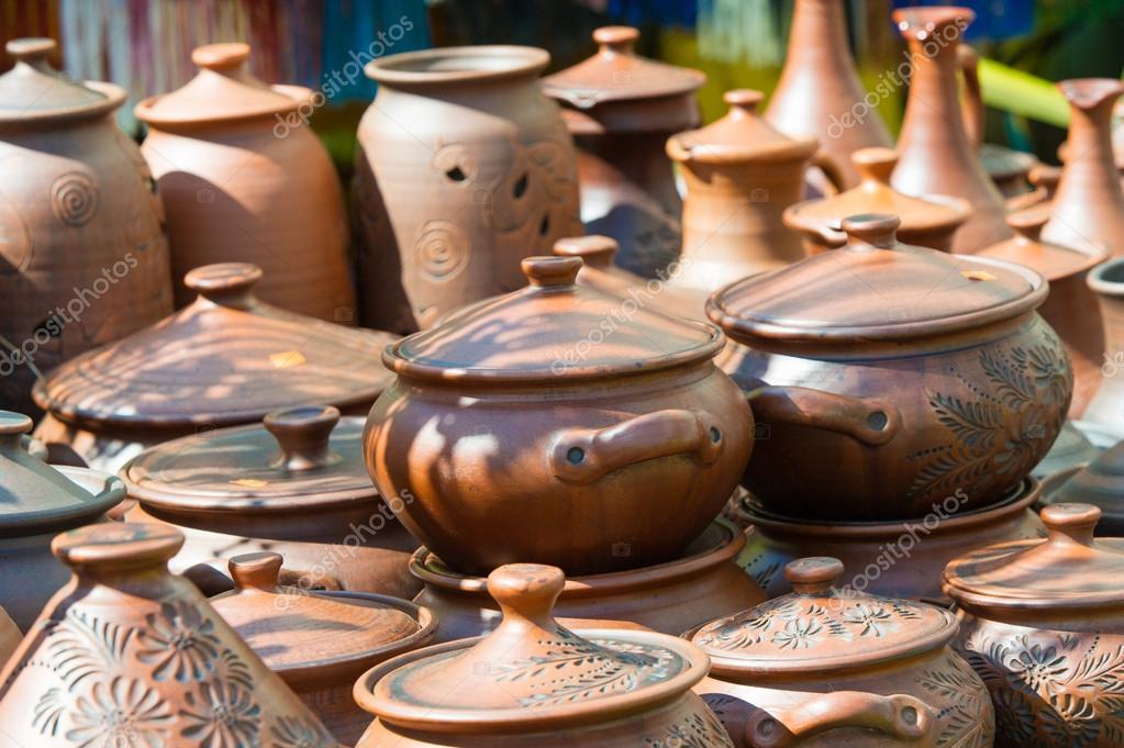 нас появляется посуда из керамики и глины ВВГ круглый