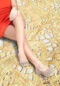 A bruise on her leg — Stock Photo