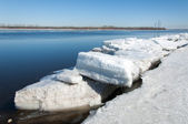 Spring flooding, ice water, Early spring on the river — Fotografia Stock