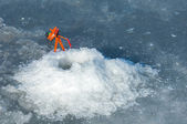River flood fishermen. Torn river ice fishermen. River with the  — Stock Photo