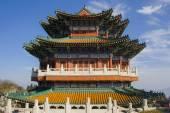Buddhist temple at the Heavenly Mountain. Zhangjiajie. China. — Stock Photo