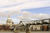St. Pauls Cathedral and Millennium Bridge — Stock Photo