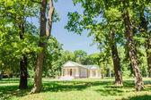 Ballare il Pavilion del XIX secolo nel parco — Foto Stock