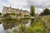 Cotswold village of Lower Slaughter, Gloucestershire, England — Stock Photo